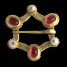 034-Brooche with pearls