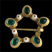 035-Brooche with freshwater pearls